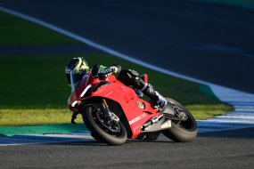 Essai Ducati Panigale V4 R : bestiale of course (...)