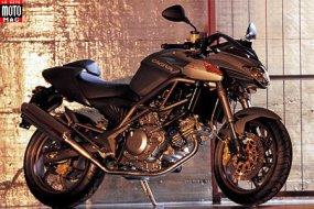 cagiva 650 raptor moto magazine leader de l actualit de la moto et du motard. Black Bedroom Furniture Sets. Home Design Ideas