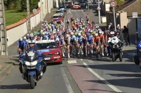 Tour de France cycliste : où et comment sont formés les pilotes moto Arton37720-0468f