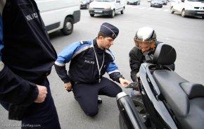 Durcissement de la lutte contre la conduite sans assurance Arton35266-301bc