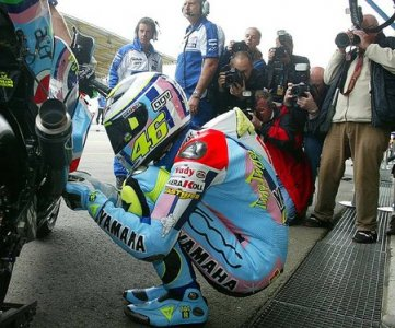 Best of du MotoGP 2007 : Rossi new look