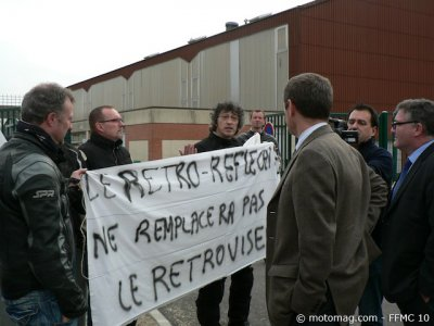 Action anti-brassard FFMC 10 : dialogue