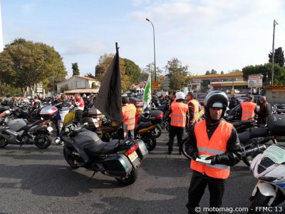 Manif moto Marseille (13) : opération tracts