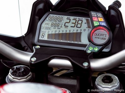 Ducati 1200 Multistrada S Touring : très lisible