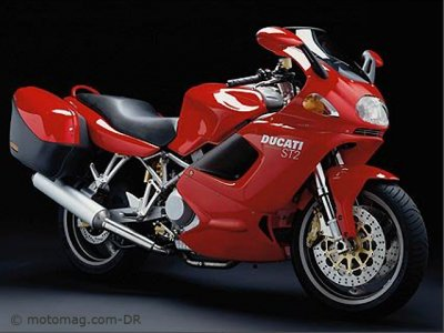 Ducati 944 ST2 : version touring