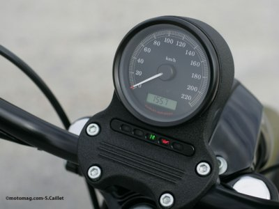 Harley Davidson XL 1200 : compteur simple