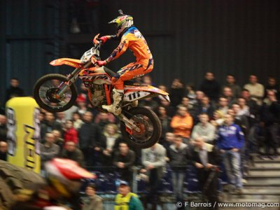 SuperEnduro : Supercross inside !
