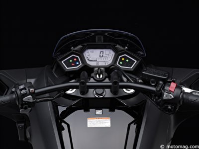 Honda NM4 Vultus : multi couleurs à bord