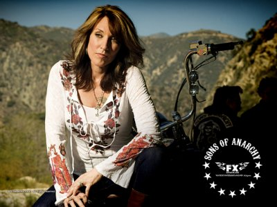 DVD Sons Of Anarchy : Katey Sagal femme du chef