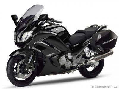 Yamaha FJR 1300 AE (2014) : « Midnight Black »