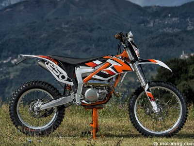 ktm freeride 250 r en 2 temps 3 mouvements moto. Black Bedroom Furniture Sets. Home Design Ideas