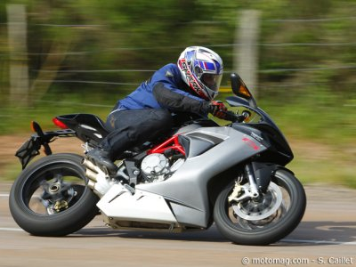 Essai MV Agusta 675 F3 : excellent comportement