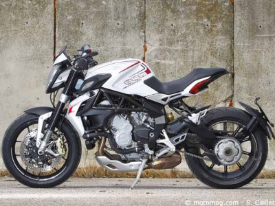 MV Agusta 800 Dragster : quasi monoplace
