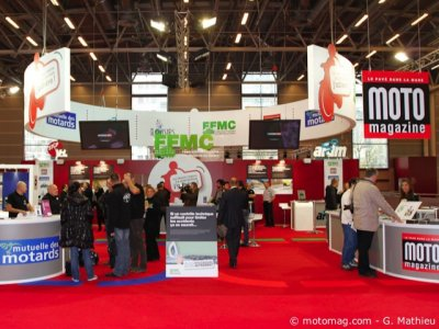 Ambiance salon de Paris : le mouvement motard en force