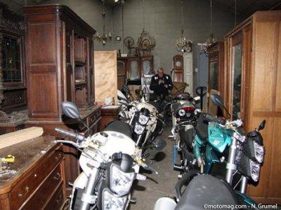 acheter une moto aux ench res. Black Bedroom Furniture Sets. Home Design Ideas