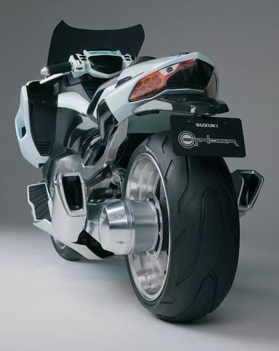 Ces concepts motos qui n'ont jamais vu le jour - partie 2 (2003 - 2007) Suzuki_gstrider_rear-57293-c4e04