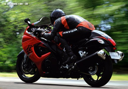 Suzuki GSX 1300 R : full power