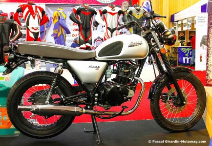 Salon moto de Paris 2015 : Bullit 125 Hunt 2016