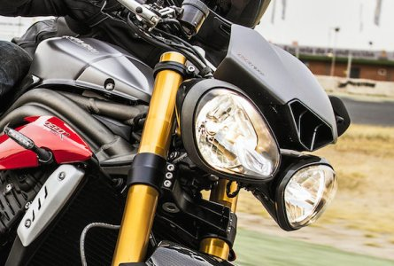 Triumph Speed Triple 2016 : double optique conservée