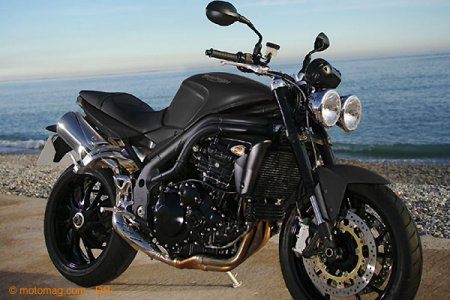 Triumph Speed Triple 1050 : couleur noir mat