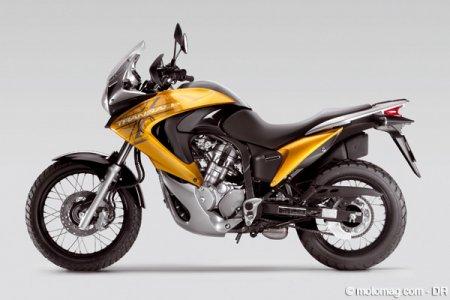 honda 700 transalp moto magazine leader de l actualit de la moto et du motard. Black Bedroom Furniture Sets. Home Design Ideas