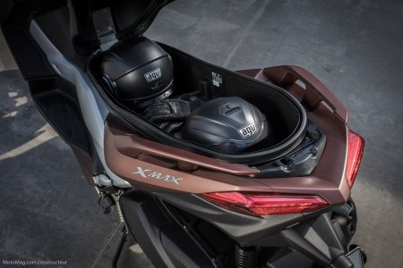 Yamaha X-Max 300 : grand coffre