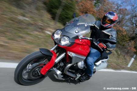 Moto Guzzi 1200 Stelvio : style et performances