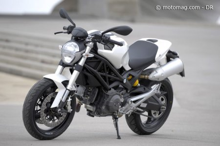Ducati 696 Monster : béquille
