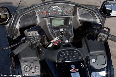 Honda 1800 Goldwing : tableau de bord de Boeing