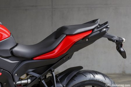 BMW S 1000 XR : selle réglable en 4 positions