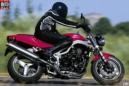 Triumph Speed Triple 955i : cap