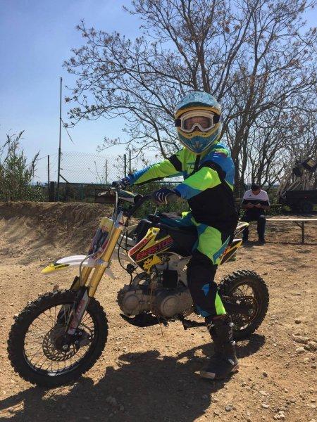 Comment Bien Choisir Sa Pit Bike Moto Magazine Leader