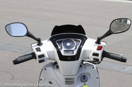 Kymco People 300 : instrumentation complète