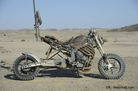 Mad Max Fury Road : bras oscillant rallongé