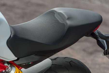 Ducati Monster 797 : selle moelleuse