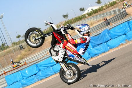 Supermoto des Nations 2011 : Mauno fait le malin