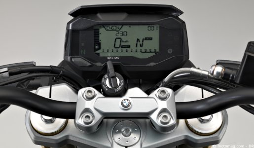 BMW G310R : placard digital