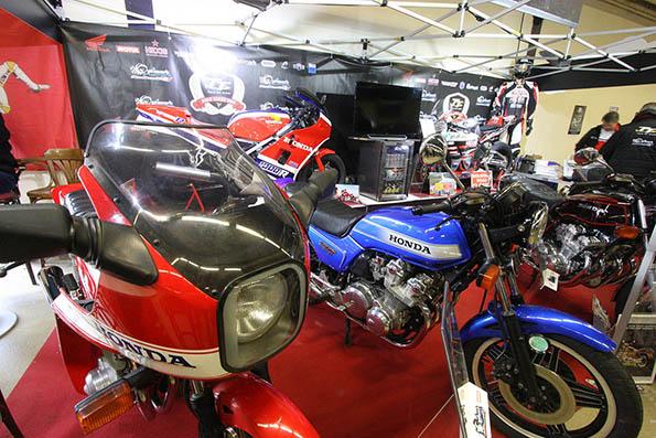 salon moto l gende au parc floral de paris moto magazine leader de l actualit de la moto et. Black Bedroom Furniture Sets. Home Design Ideas
