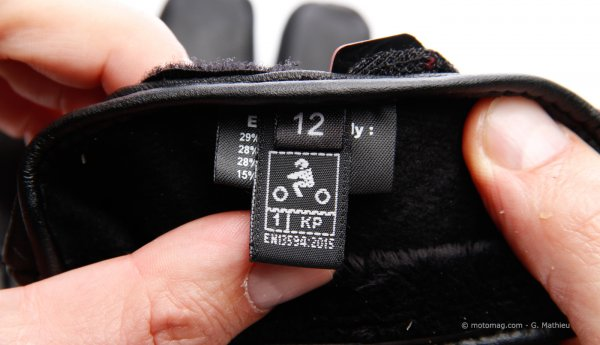 obligation du port des gants doit on acheter une paire neuve forum technique moto 34. Black Bedroom Furniture Sets. Home Design Ideas