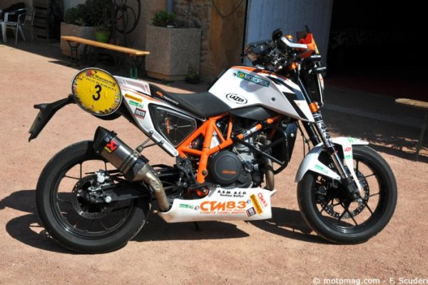 La KTM Duke 690 R de Florent Derrien : échappement Akrapovic {JPEG}