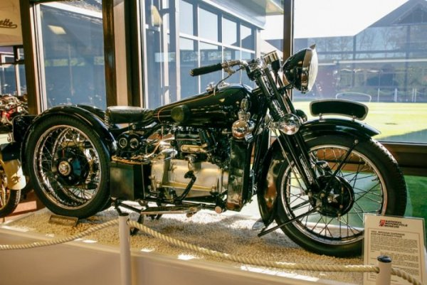 Brough Superior Austin Four {JPEG}