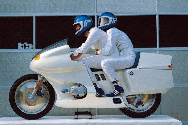 Ces concepts moto qui n'ont jamais vu le jour - partie 1 (1979 - 1995) Futuro_01-257a8-44301