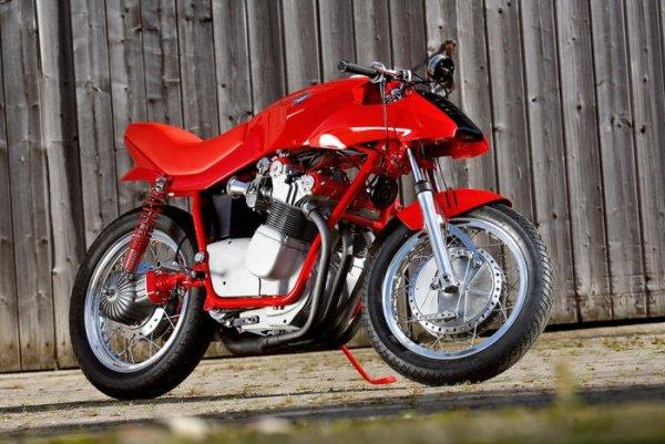 Ces concepts moto qui n'ont jamais vu le jour - partie 1 (1979 - 1995) Mv_agusta_750_target_design_06-4fdd1-15e77