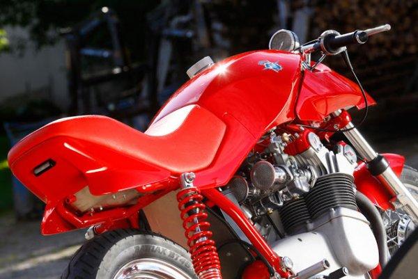 Ces concepts moto qui n'ont jamais vu le jour - partie 1 (1979 - 1995) Mv_agusta_750_target_design_13-898ad-7d555