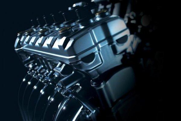 Ces concepts motos qui n'ont jamais vu le jour - partie 2 (2003 - 2007) Stratosphere-suzuki-6-engine-katana-d893c-c0123