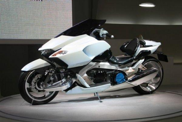 Ces concepts motos qui n'ont jamais vu le jour - partie 2 (2003 - 2007) 2005-suzuki-g-strider-2-1f15d-b46a3