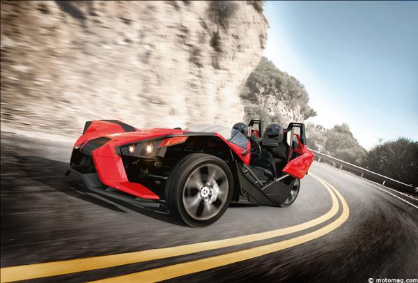 3 roues polaris slingshot un peu plus pr s de la voiture moto magazine leader de l. Black Bedroom Furniture Sets. Home Design Ideas