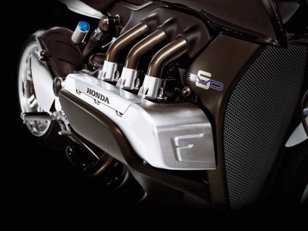 Ces concepts moto qui n'ont jamais vu le jour - partie 3 (2007 - 2017) Honda-motor-flat6-evo6-dd235-ac01e