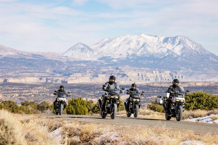 La Harley 1250 Pan America à partir de 15 990 € 201482_pan-am_ra1250_pan-am_ra1250s_pan-am_ra1250s_pa_07878-10c1a