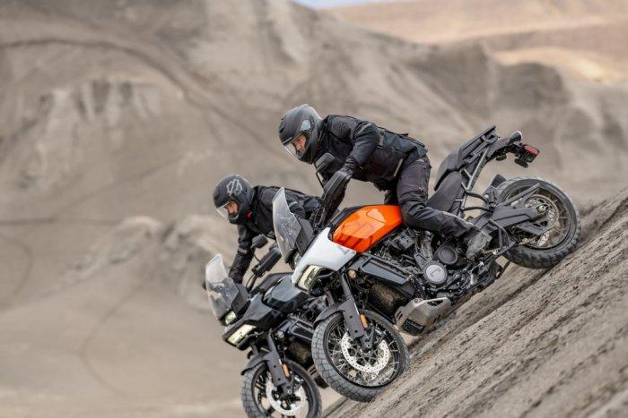 La Harley 1250 Pan America à partir de 15 990 € 201482_pan-am_ra1250s_00827-7354b